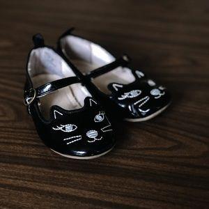 Gap Kids Cat Shoes - size 8